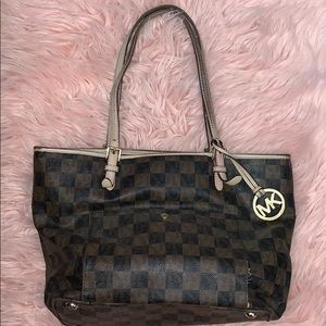 Checkered Michael Kors Shoulder Tote